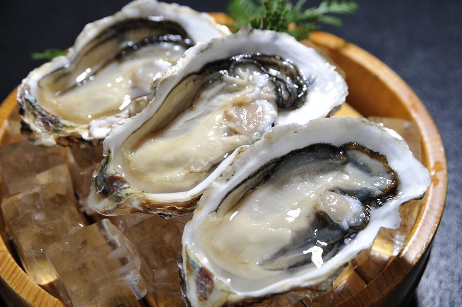 牡蠣は亜鉛がダントツに多く含まれている食べ物です