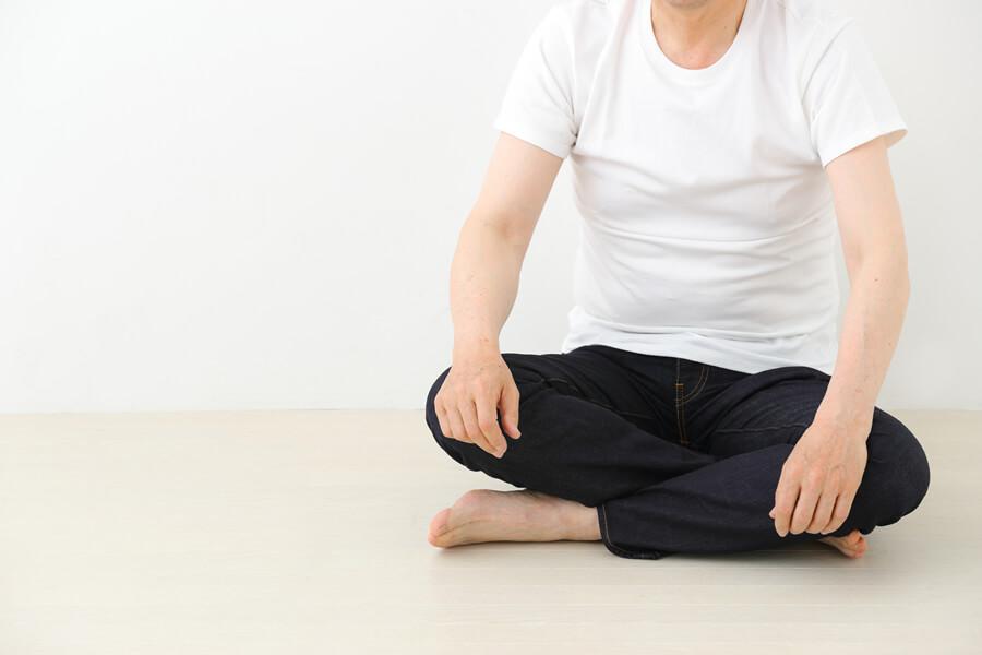 体勢としては、リラックスできる姿勢をオススメします。